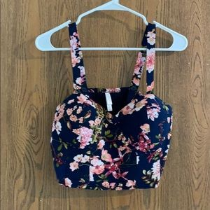 Floral cropped tank!